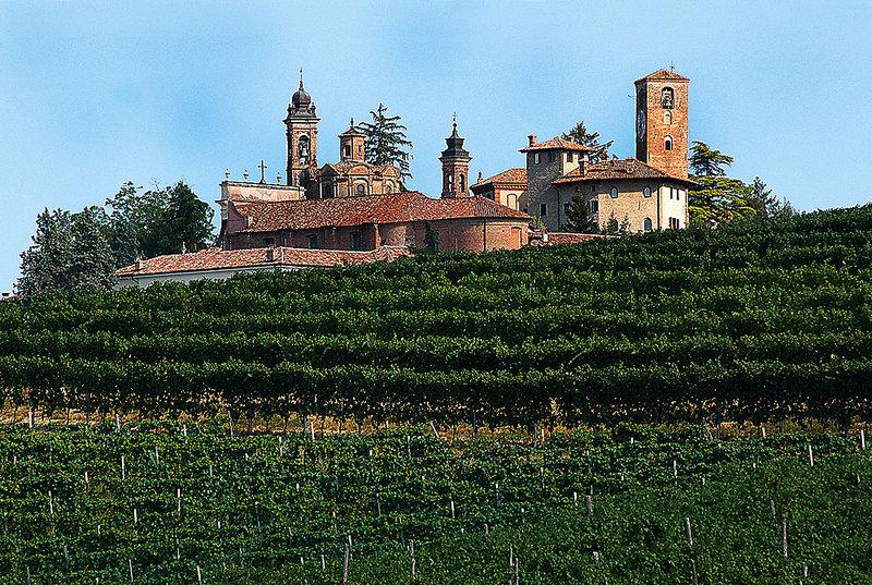 Auf der großen Weinstraße vom Piemont ins Chianti